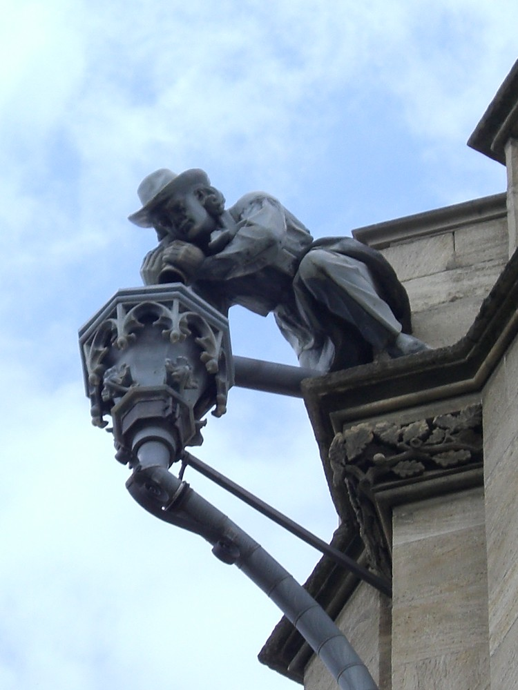 Skulptur am Erfurter Rathaus...