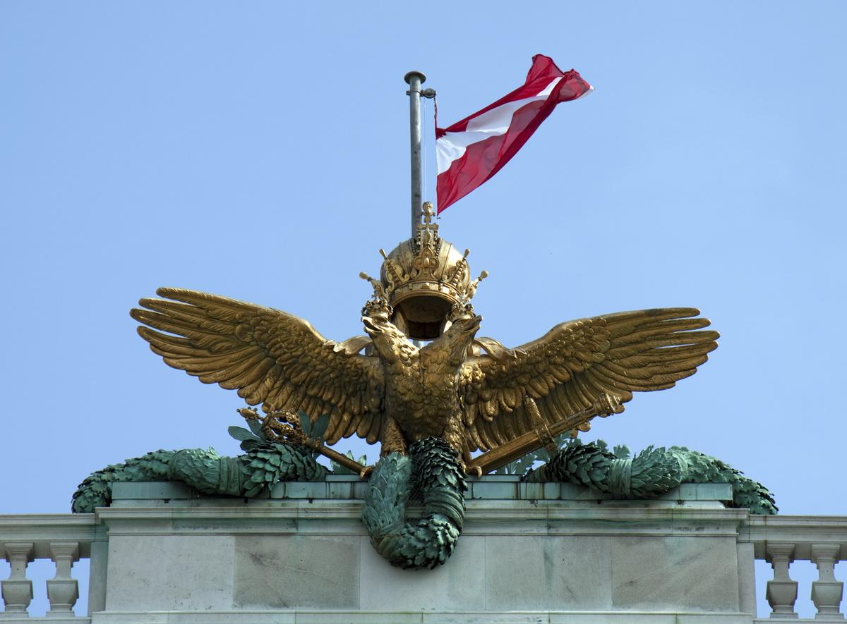 Skulptur auf Wiener Hofburg