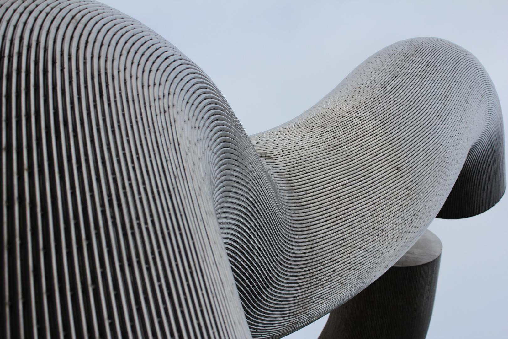 Skulptur aus anderem Winkel