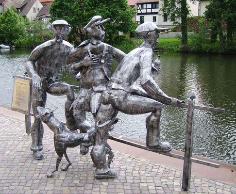 Skulptur im alten Hafen von Rathenow