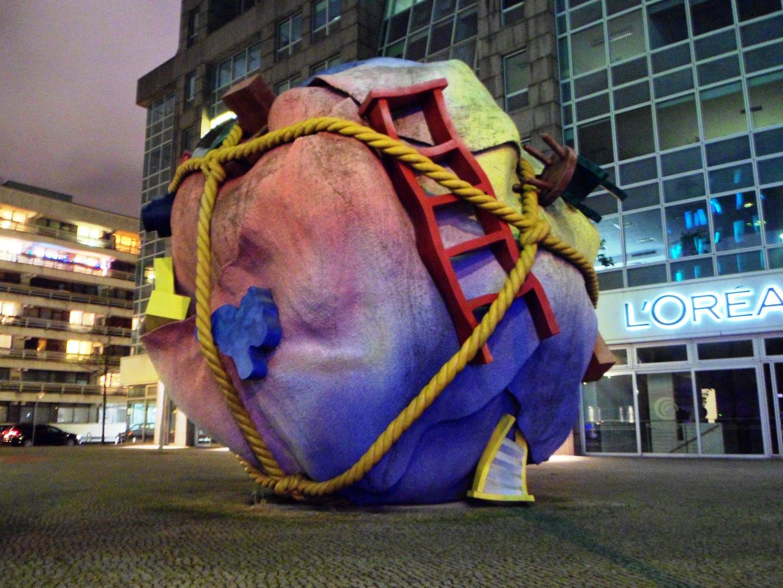 Skulptur, Nähe Checkpoint Charlie