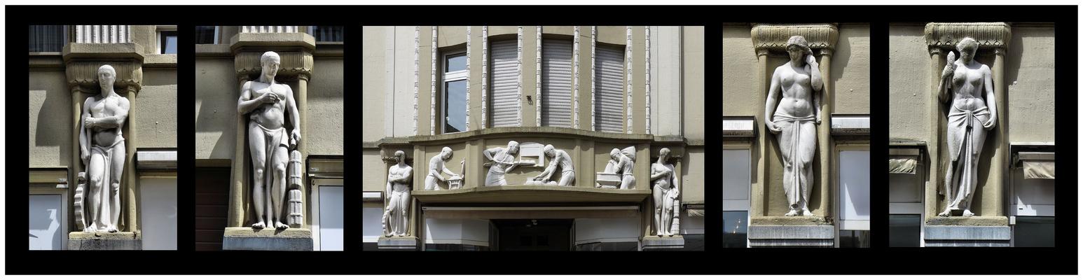 Skulpturenschmuck am Haus