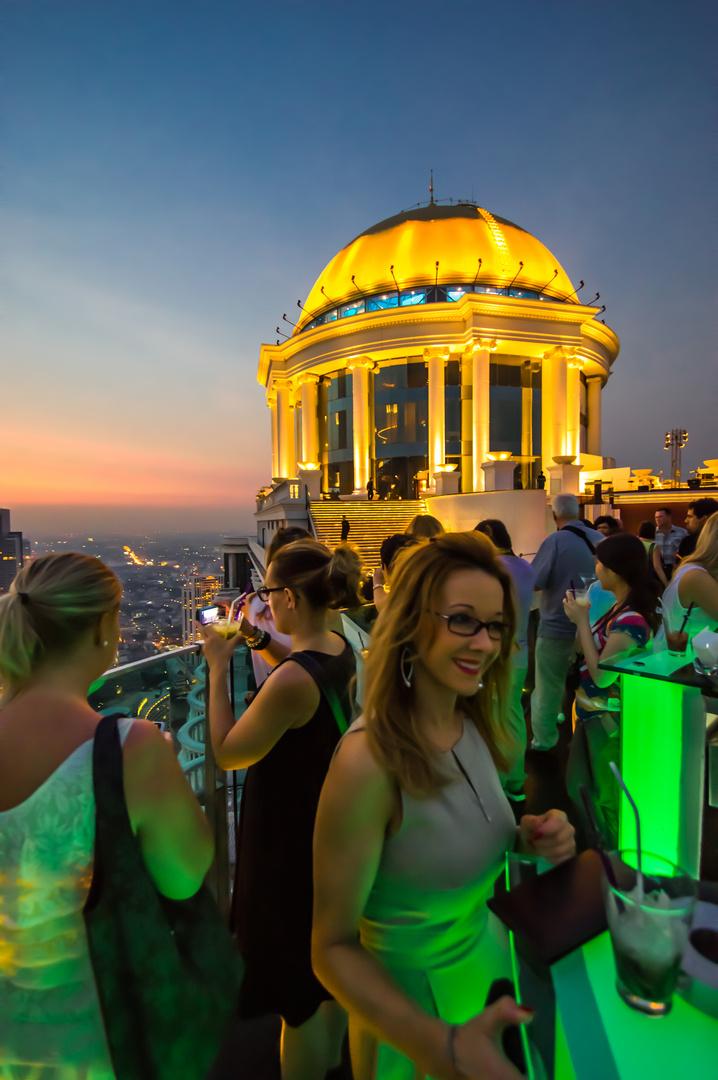 Sky Bar (1 )- Lebua State Tower Hotel - Bangkok - Januar 2013