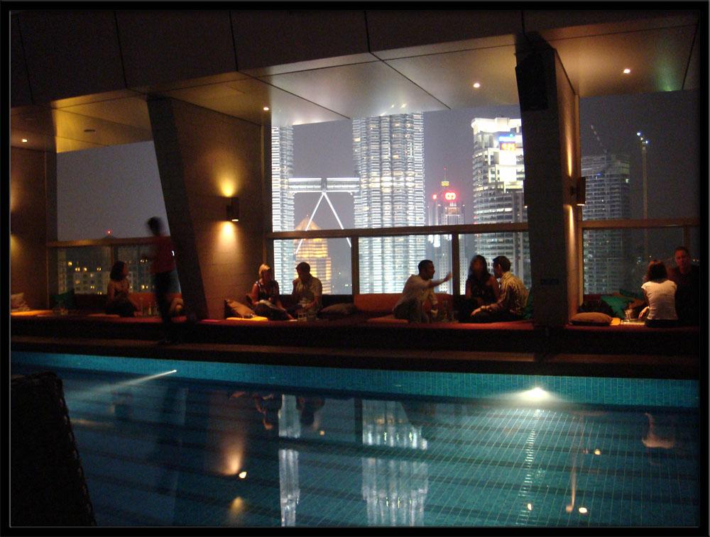 Skybar - Traders Hotel