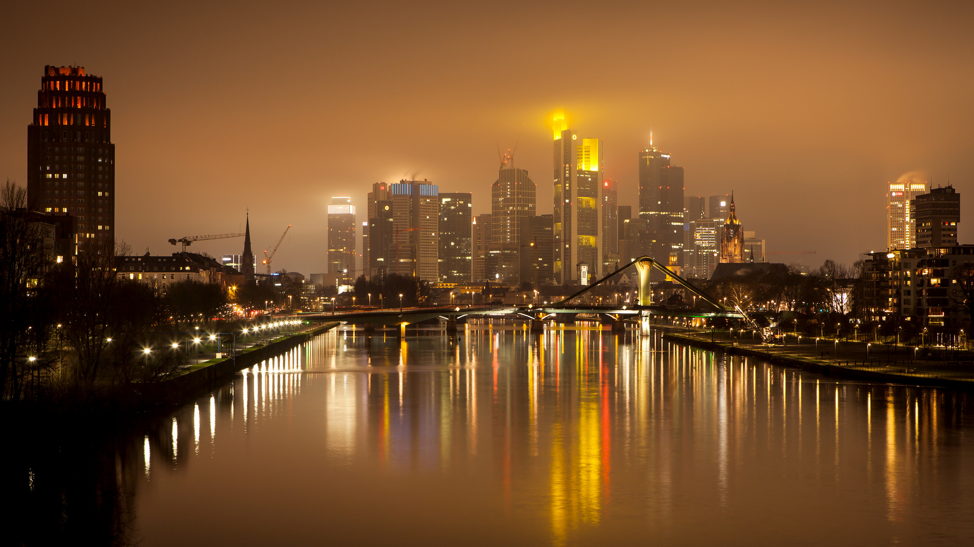 skyline at night frankfurt main foto bild architektur stadtlandschaft. Black Bedroom Furniture Sets. Home Design Ideas