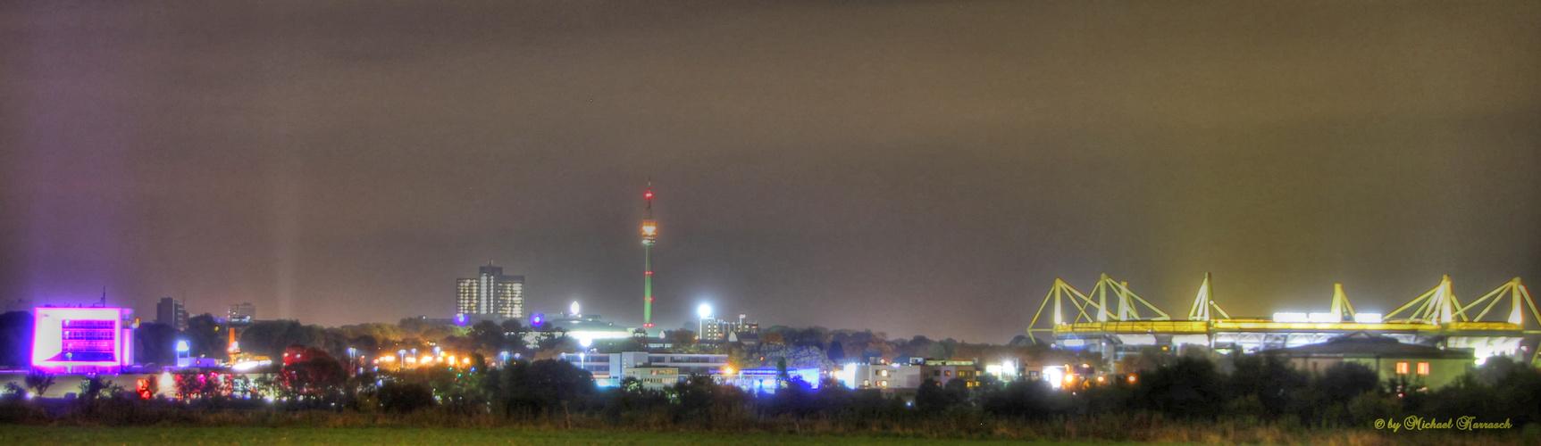 Skyline Dortmund bei Nacht