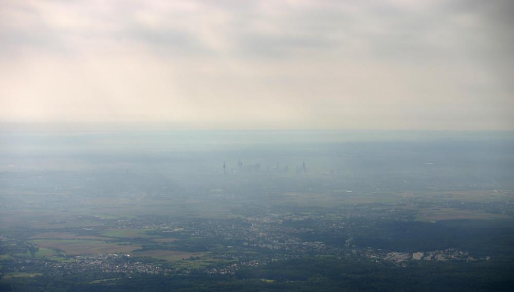 "Skyline Frankfurt im ""Dunst"""