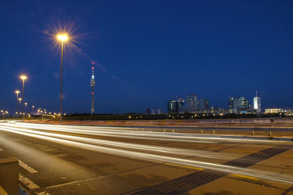 Skyline von Wien bei Nacht01