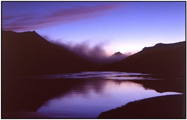 ÍSLAND, Sonnenaufgang am Kirkjufellsvatn