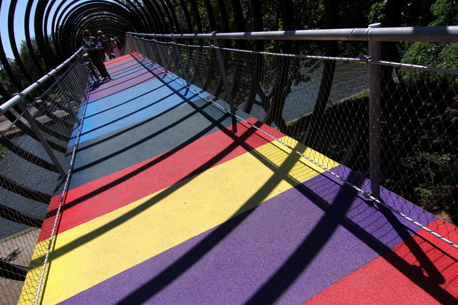 """Slinky Springs"" : Neue Brücke über den Rhein-Herne-Kanal in OBERHAUSEN"