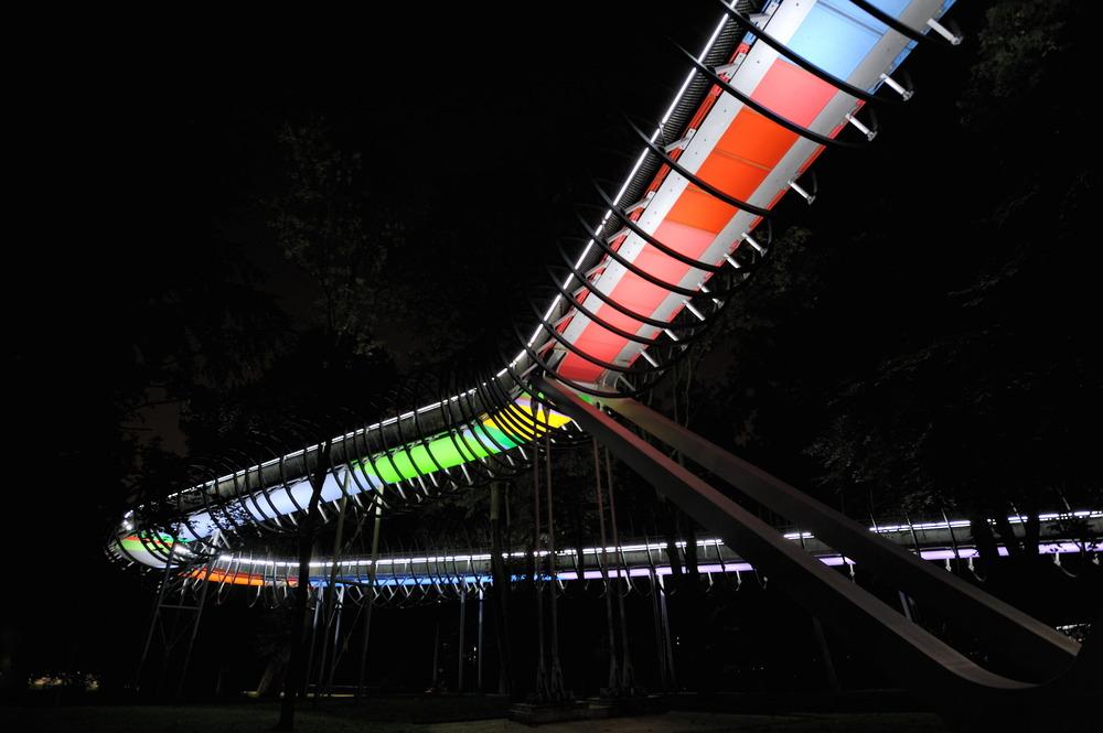 Slinky Springs to Fame 07