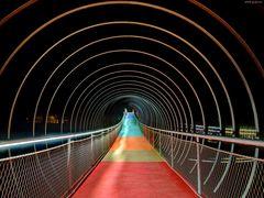 Slinky Springs to Fame - Auf schwankendem Boden