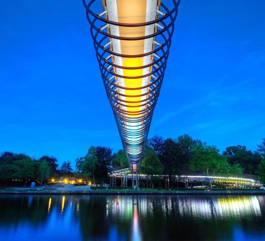 Slinky springs to fame, Tobias Rehberger Brücke, Oberhausen 3, Günter ist auch mit drauf.