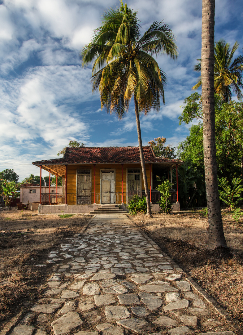 "Smal ""Villa"" Cuba"