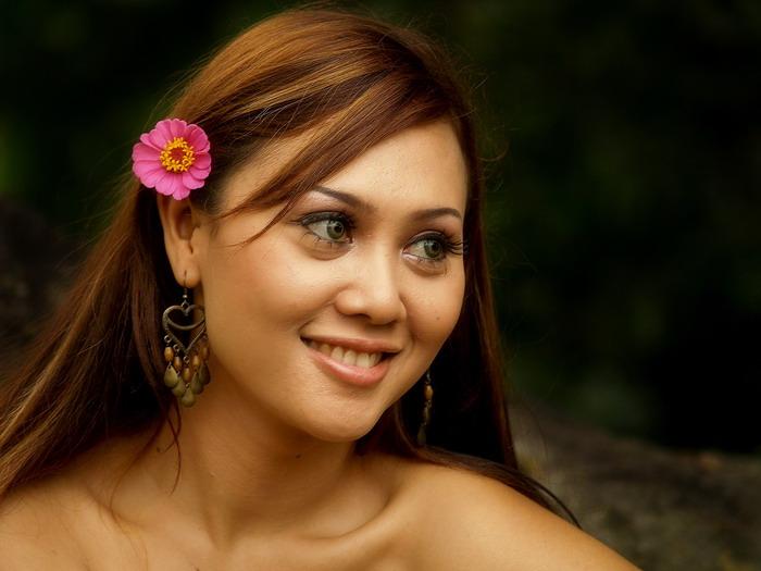 Smiling Anissa