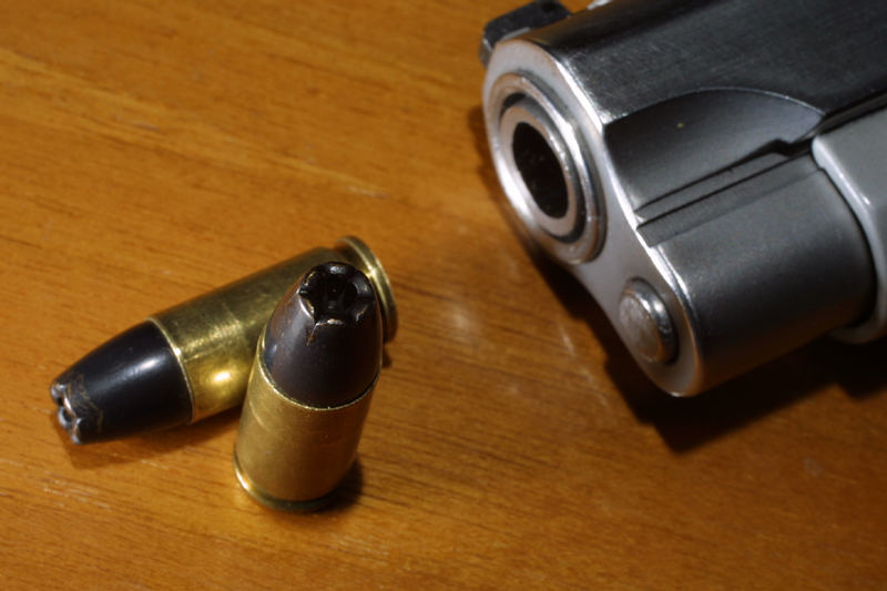 Smith & Wesson 02