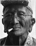 Smoking Iban auf Borneo / Malaysia 2