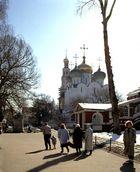 Smolensker Kathedrale und Glockenturm im Neuen Jungfrauenkloster im Schnee