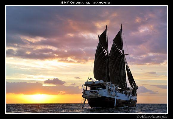 SMY Ondina al tramonto
