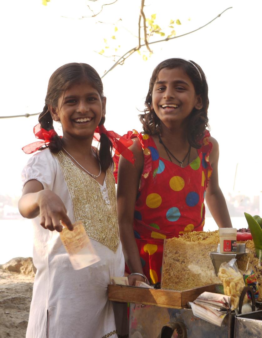 Snackverkäuferinnen am Ganges