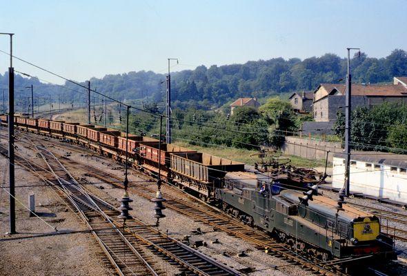 SNCF, CC-14152, à Audun-le-Roman avec train de minerai de fer vide