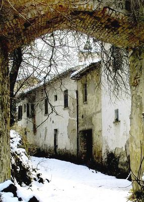 snow-in-the-old-village