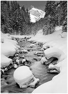 Snow River in black/white