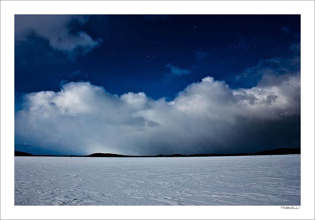 Snowflakes over Vesijärvi
