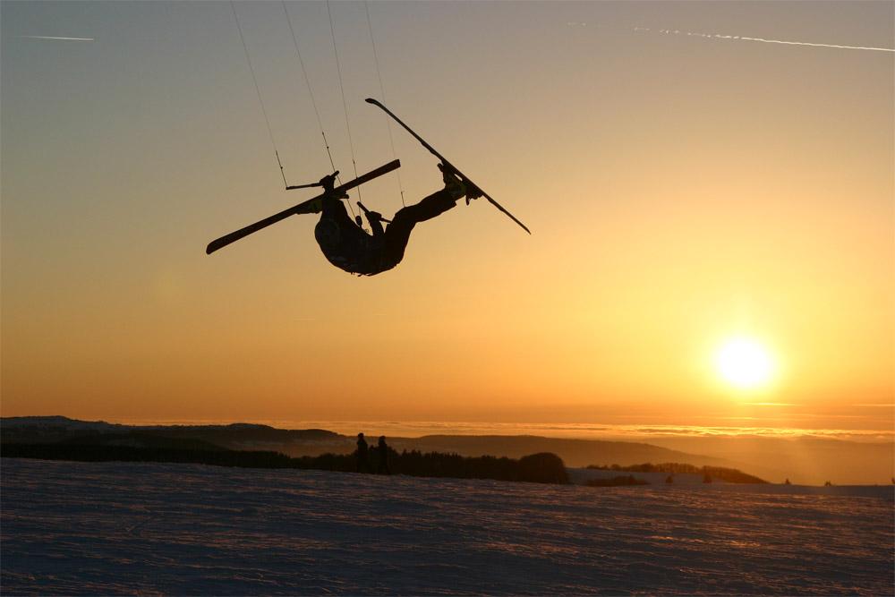 snowkite sunset