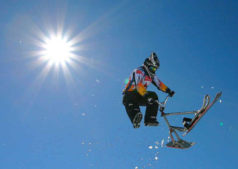 SNOWSCOOT RIDER BOUBOU EN TAIL WHIP AUX CROZETS