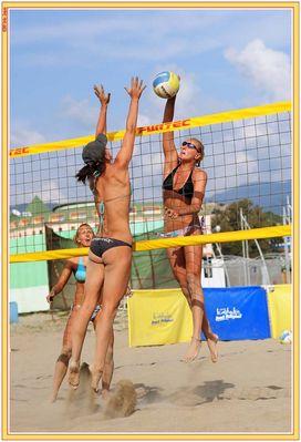 So attraktiv kann Beachvolleyball sein