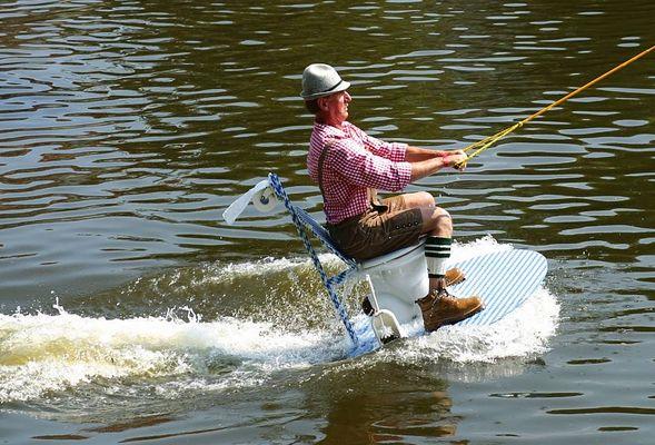 So fährt man Wasser-Ski in Bayern !!