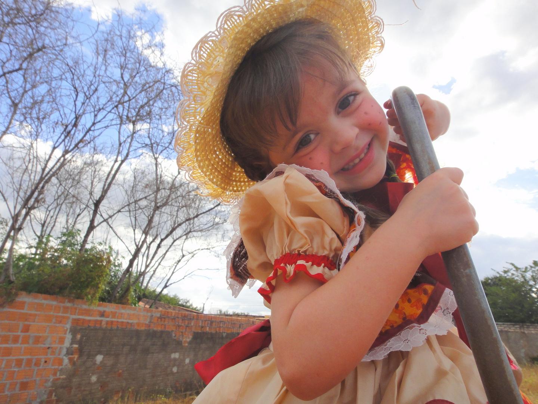 São João 2012- Bárbara, minha sobrinha linda...