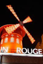 So kitsch so red so Paris