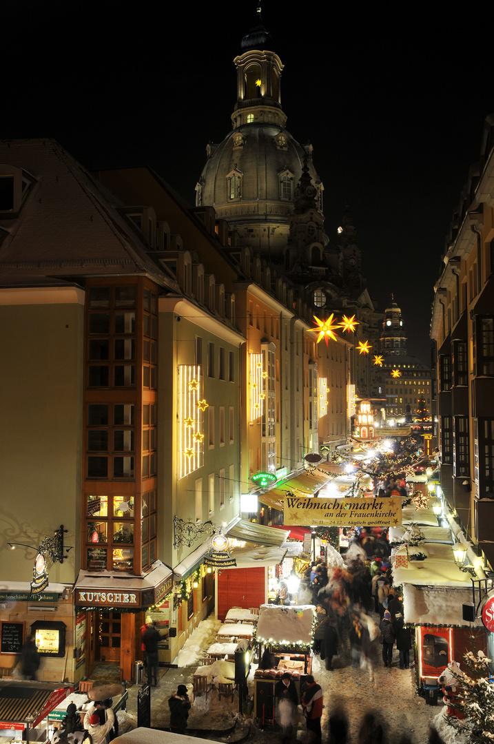 so muss ein schöner Weihnachtsmarkt aussehen