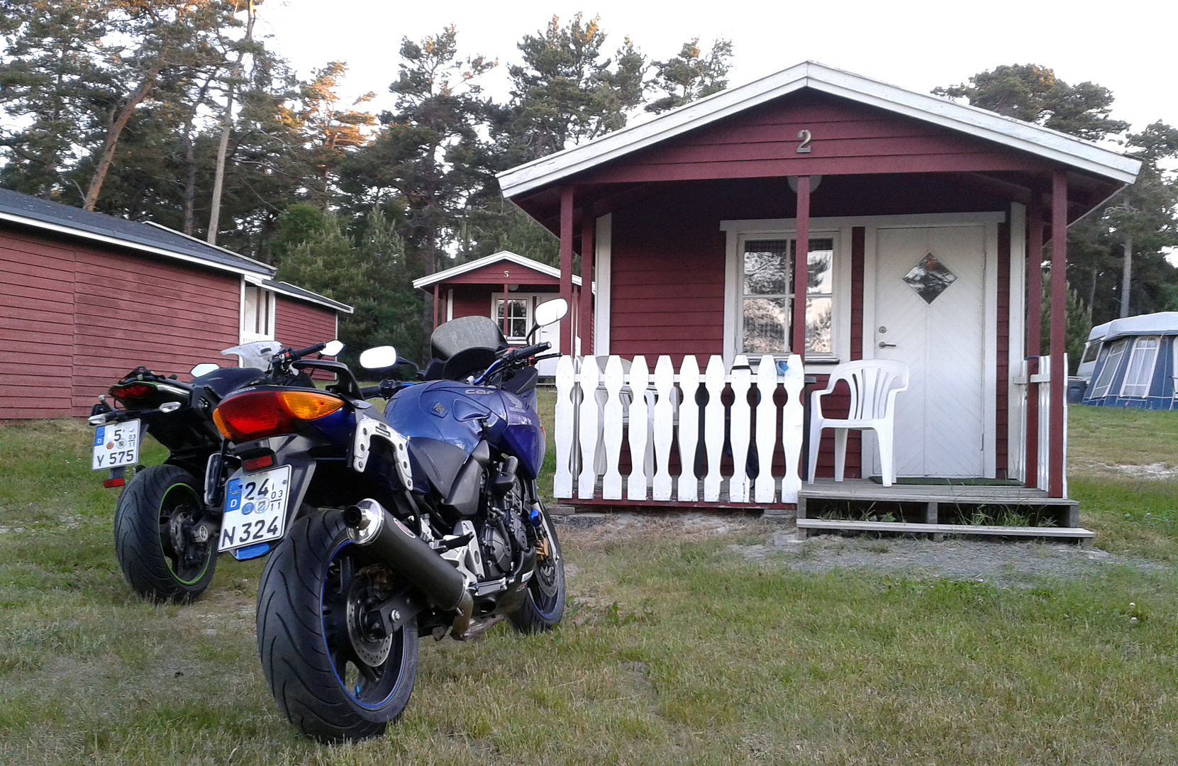 So sah unsere Standart Hütte für Drei Wochen Skandinavien aus.