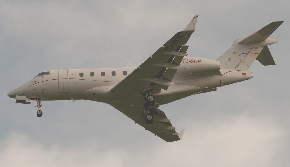 Socar Bombardier BD-100-1A10 Challenger 300