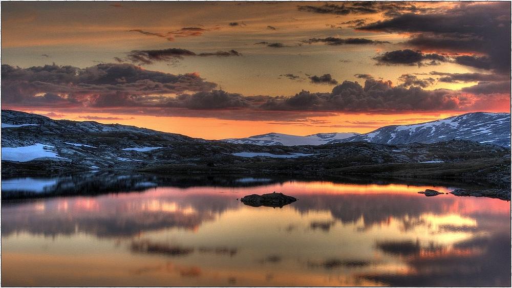 Sognefjell Mitternachts-Stimmung von der schönsten Seite: Norgereise 2013 ( HDR)