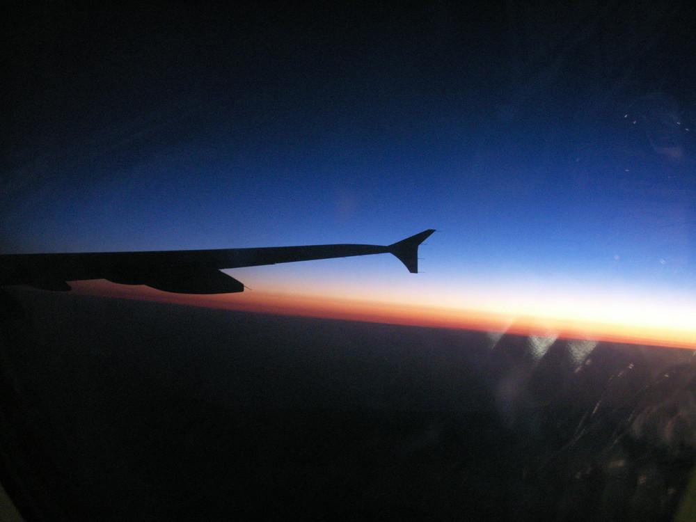 Soir,dans un avion.