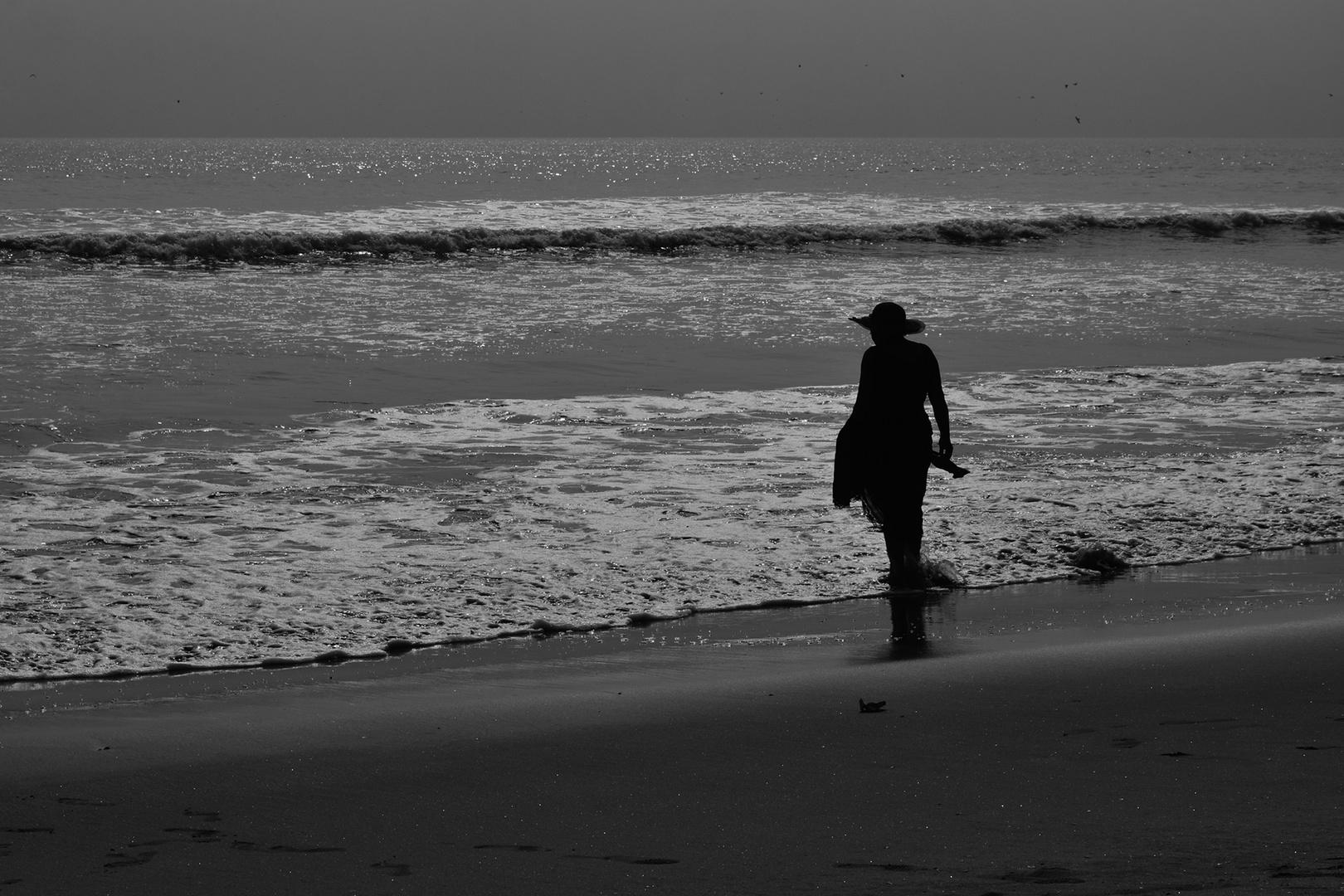 sola con el mar