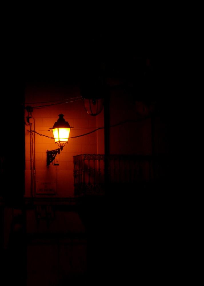 Sola en la oscuridad