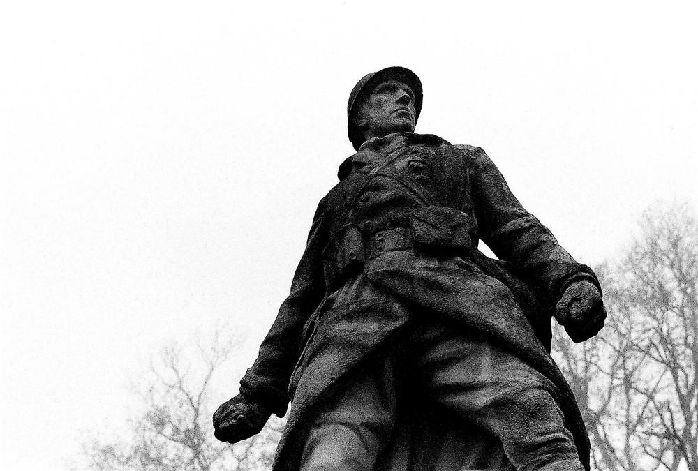 soldat de pierre croix de bois