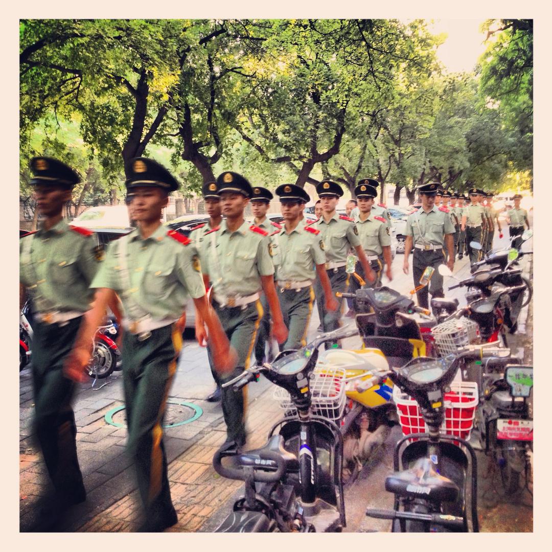 Soldaten auf dem Weg
