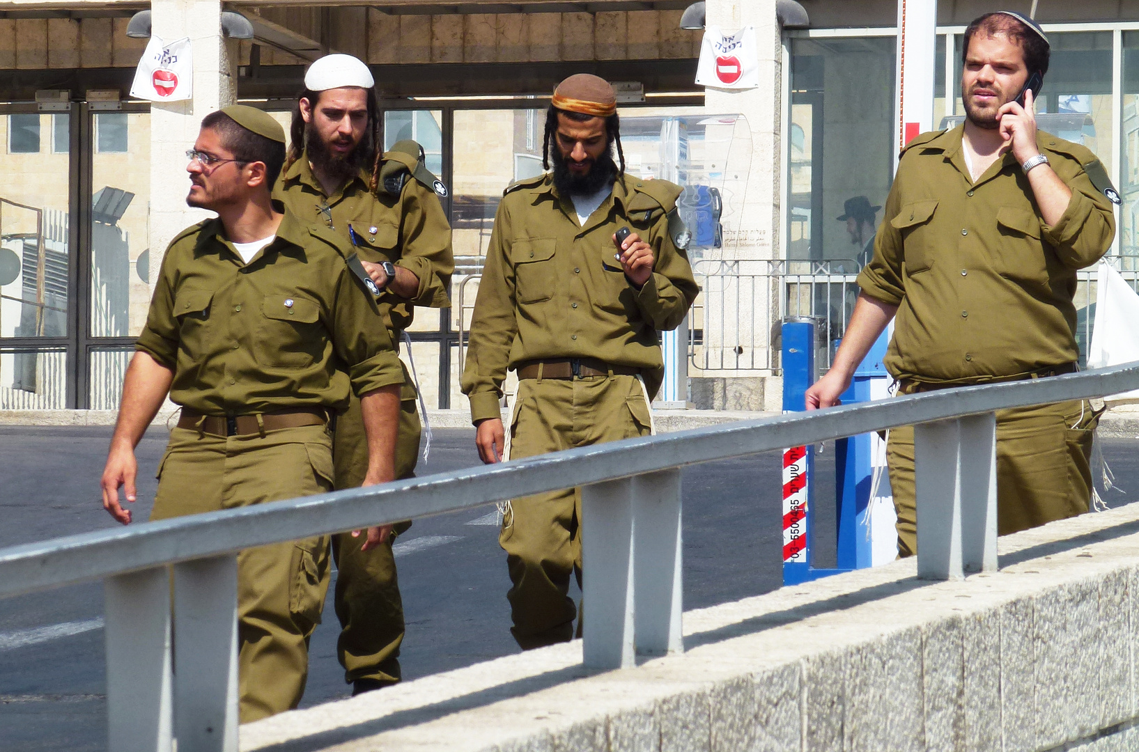 Soldaten im Stadtbild Jerusalems