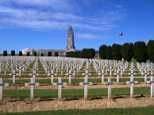 Soldatenfriedhof in Verdun_2 (Frankreich)