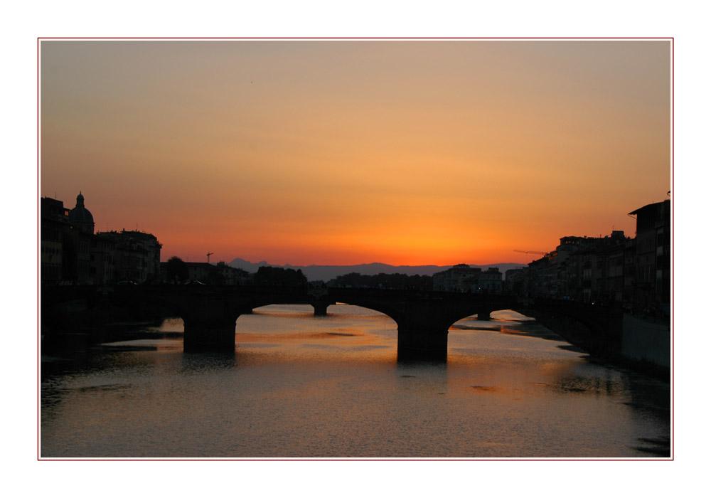 Soleil couchant sur le Ponte Vecchio Florence