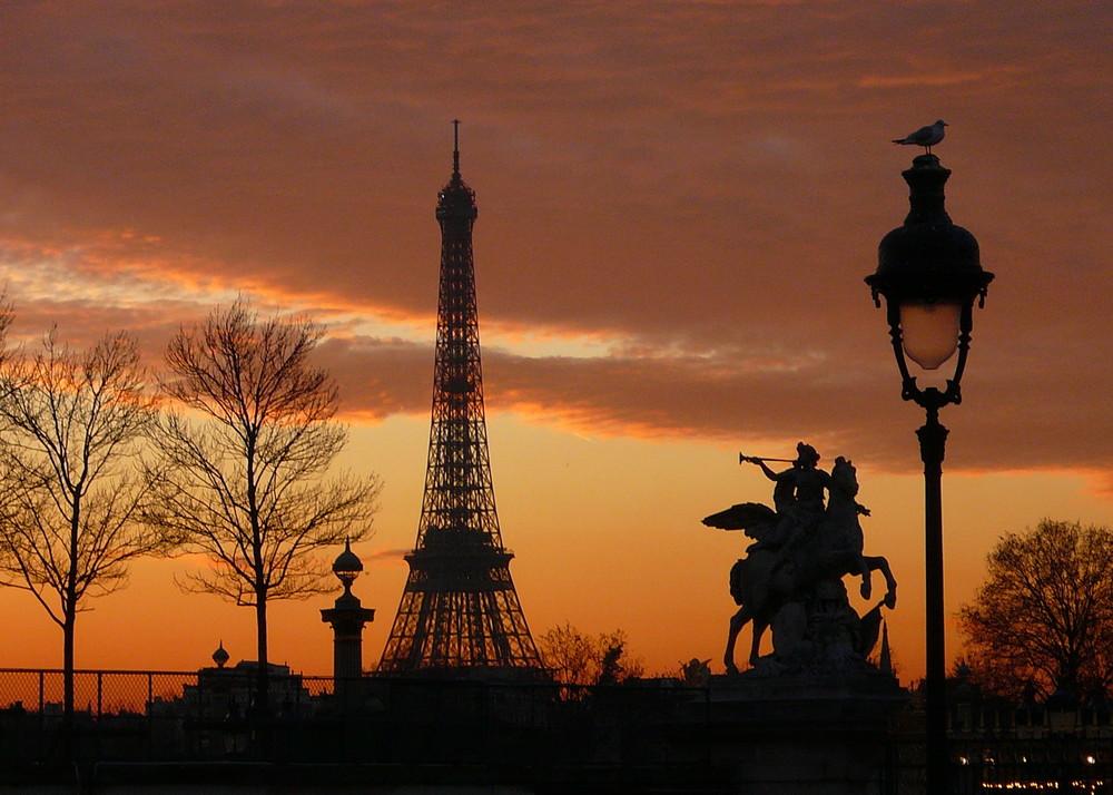 Soleil couchant sur Paris la Belle