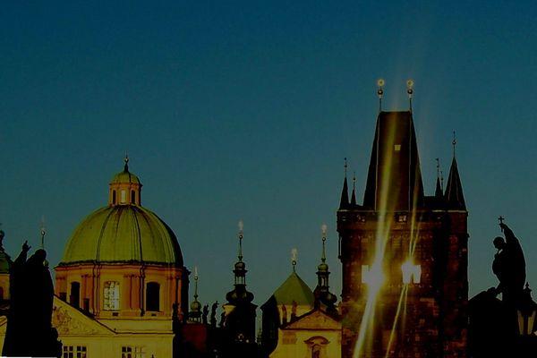 soleil du soir sur le pont charles
