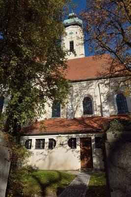 Sollner Kirche im schönen Herbst