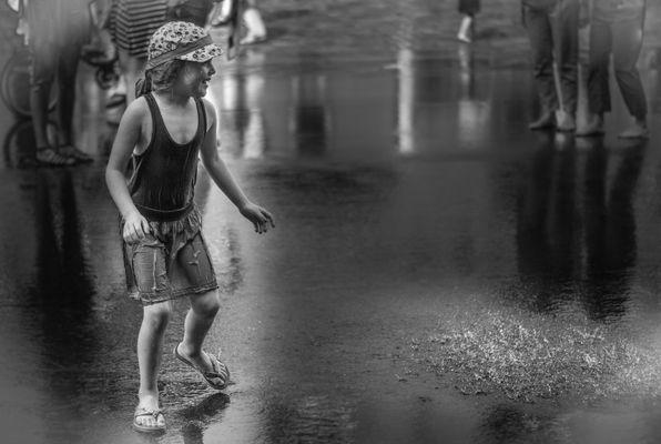 Sommerregen mal anders - Prenzlauer Berg trotzt der Hitze